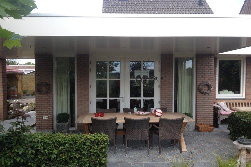 Overkapping serre of veranda van der veer bouwbedrijf aannemersbedrijf - Veranda met dakraam ...
